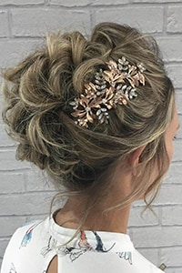 Chic wedding hairstyles for short hair